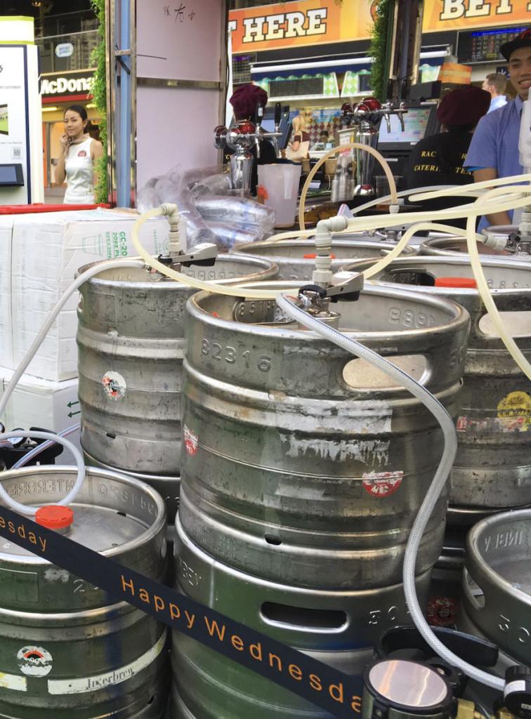 冷門奇工系列 炎夏嘆冰涼啤酒 全靠生啤機師傅出馬