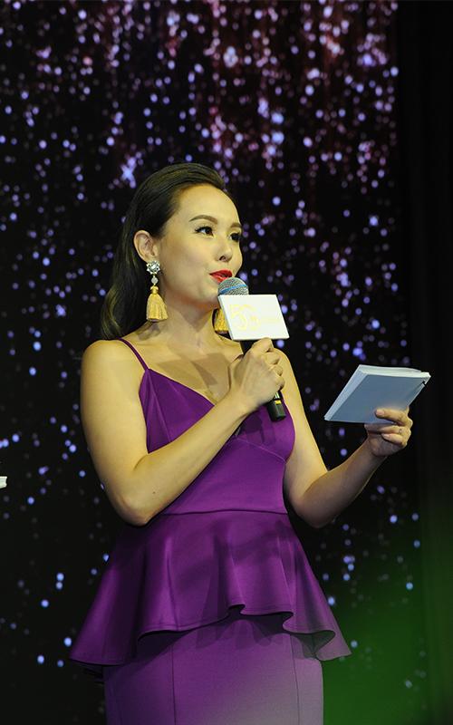 轉行成最高身價星級司儀之一 前港姐楊洛婷遇老闆主動加騷錢 1