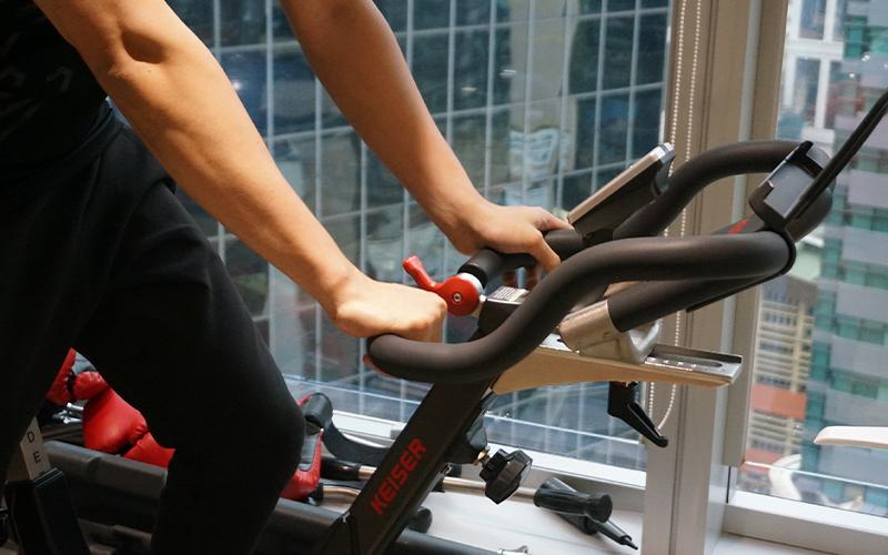 自由身教練開健身室,不打工因:「大型健身中心要跑數、要硬銷客人。」1