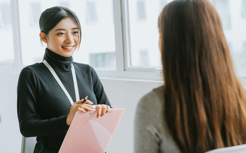 Self Introduction How to Impress Interviewers in Under a Minute?-F